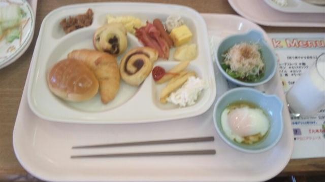 朝食バイキング…